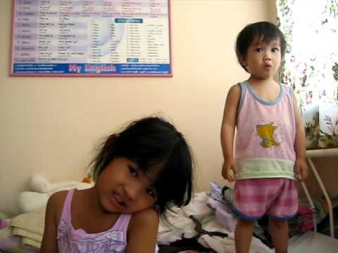 KK&TK watching BE (Baby Macdonald)