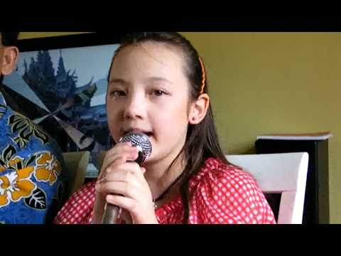 ลูกฝรั่งแต่งเพลงไทยร้องให้คุณแม่ฟัง