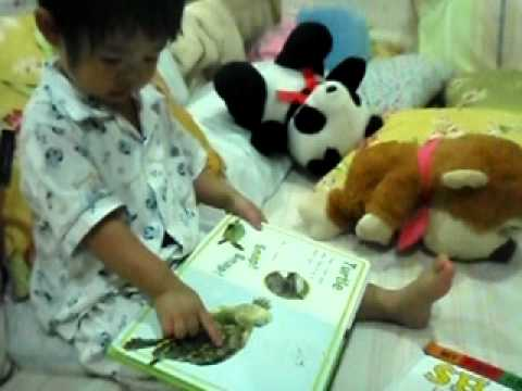 read books before bed time by Tonmai..
