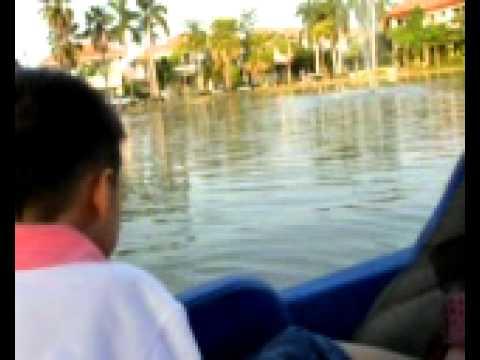 2pasa: PM and KM Keep paddling.mpg