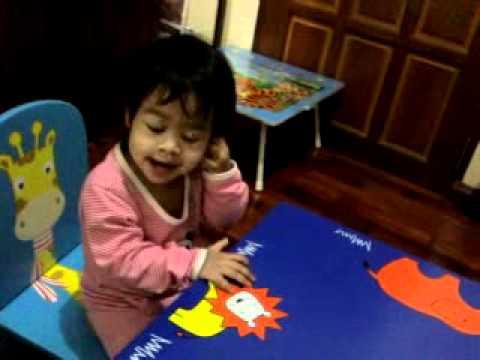 Sofwana starts to read Thai @1.07 years old