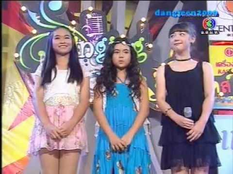 พลอยชมพูแข่งร้องเพลงรายการ Singing Kids  เทปแรก 29-03-2555