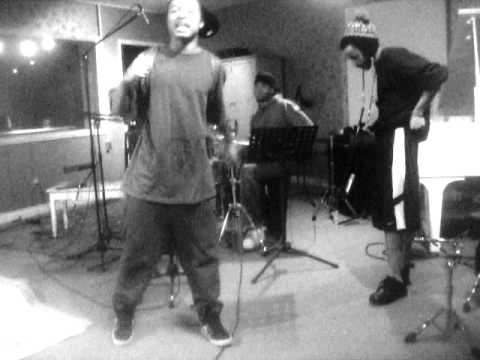 A-Jay, Saquan - live free style with andru on drums