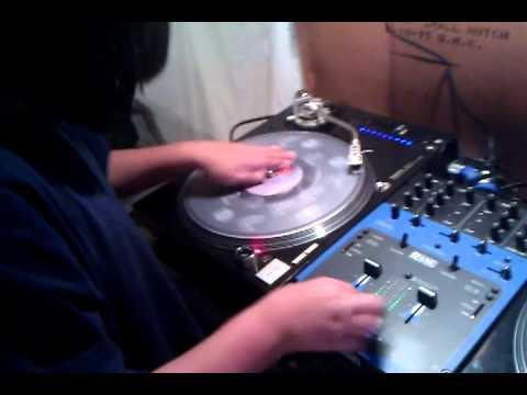 DJ IAN @ 10 Years Old. Scratch Practice *Stabs*