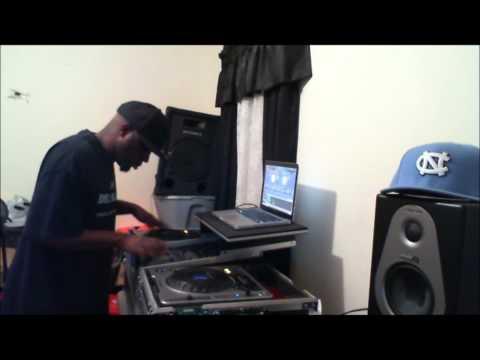DJ DELLMATIC DOING HIS THANG!!