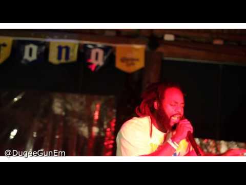 Dugee GunEm : Live performance