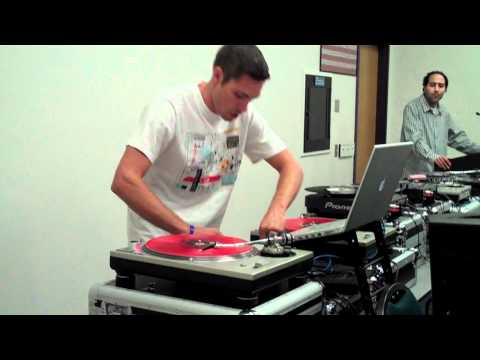 DJ ASCENSION vs Turntablism Class.MP4