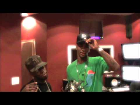 Young Teek Ft Un Kasa - She Wanna Roll (In Studio Performance)