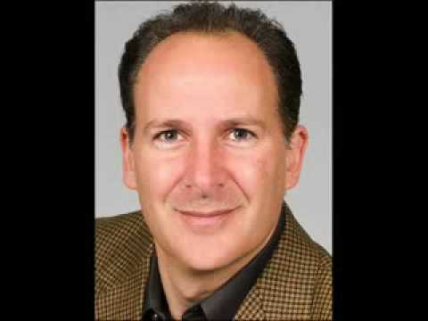 "Peter Schiff issues a Red Alert: ""Get out of the US dollar"""