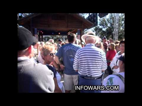 George W. Bush Confronted on 9/11 & war crimes in Florida!