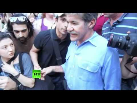 FOX NEWS LIES! FOX NEWS LIES! Geraldo Driven Out Of Occupy Wall Street Protest!