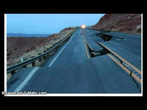 Huge Sinkhole Opens on U.S. 89 in Arizona !  Geologic Event in Arizona 2013 !