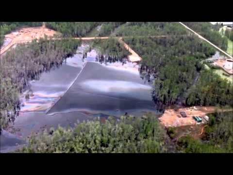 4/5/2013 -- Heavy oil sheen showing across Bayou Corne -- Salt Dome Collapse / Sinkhol