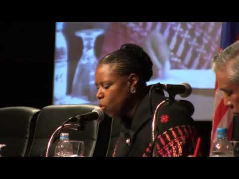 Cynthia McKinney says Zionists targeted her because of her questions about 9/11