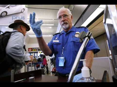 TSA loudspeakers threaten travelers with arrest for making jokes about security