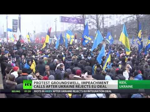 Clashes as mass rallies sweep Ukraine over EU trade deal shelving
