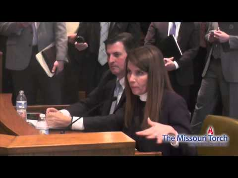 Teacher Tearfully Describes Bullying and Intimidation She Suffered for Opposing Common Core