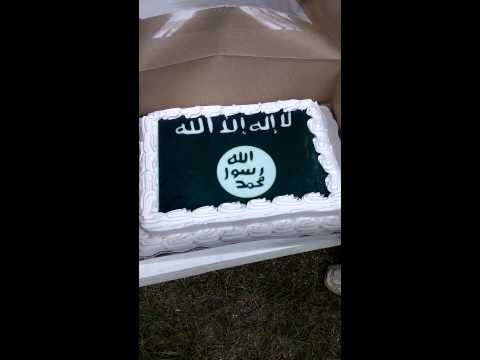 Walmart makes ISIS cake, refused Confederate flag cake.