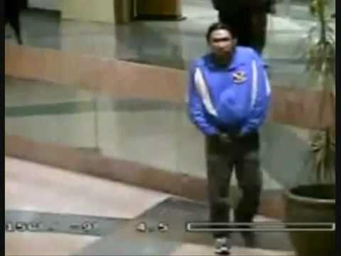 Man Takes A Dump in Public Mall