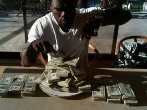 50 Cents Shows Off Money!- How to Get Fast Money Get - MCA