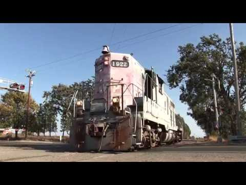 Long 47 Car Storage Train on the NWP Featuring GP9 #1922: Schellville, CA 9-8-16