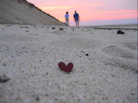 Paula Mattos - Areia Quente