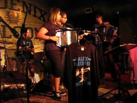 Yesenia Performs at the Phoenix Saloon with Alex Miexner