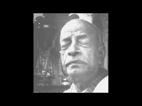Srila Prabhupada Chanting Hare Krishna