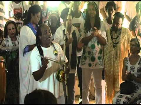 Matéria especial - Cinzas de  Abdias Nascimento são devolvidas ao solo sagrado do Quilombo dos Palmares