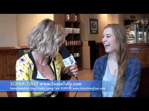 Sonia Tully, 4th generation psychic astrologer, daughter of Sonia Choquette
