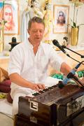 Mantra Yogalehrer/in Ausbildung Intensivwoche mit Narendra und Katyayani
