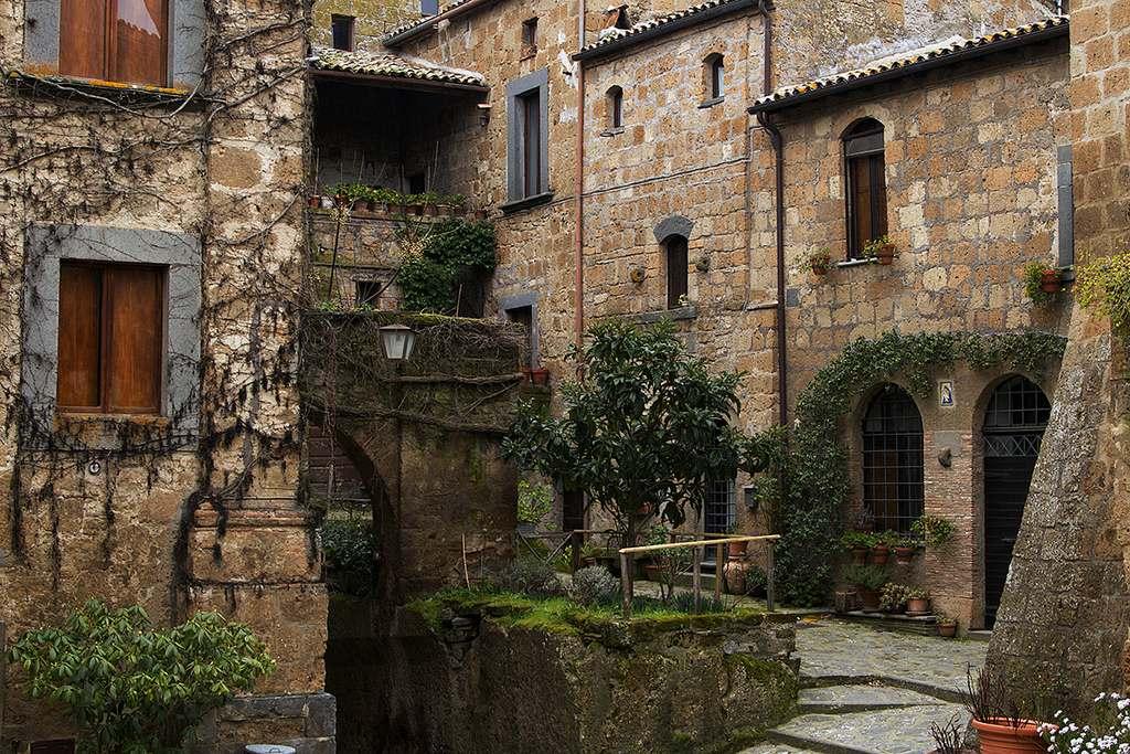 იტალია, დედამიწა, Civita di Bagnoregio, არქიტექტურა, სილაამზე, სანახები, დასატვალირებელი, 100 ქალაქი რომელსაც ემუქრება განადგურება, qwelly, earth, italy, city