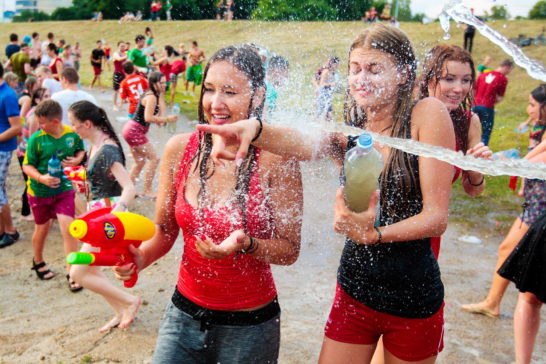 celebration, fun, monday, poland, qwelly, tradition, water, wet, გართობა, დღესასწაული, ორშაბათი, პოლონეთი, სველი, ტრადიცია, წყალი, დასველების ორშაბათი, Śmingus dyngus