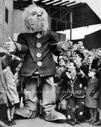 1948 Harringay Children Play Peek a Boo