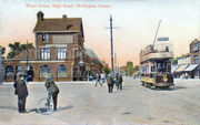 Chatting in the Road at Wellington Corner / Junction of Green Lanes and Turnpike Lane c1905