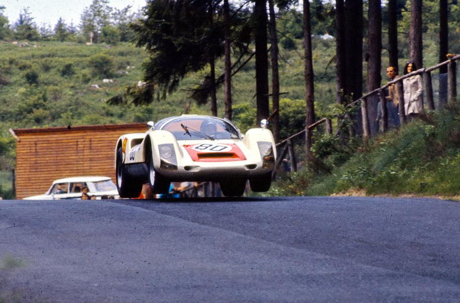 Porsche 906 at the Brunchen