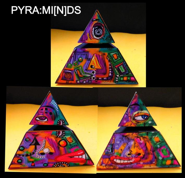 Pyramid Paper Toy , I'm watching you