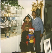 Me @ Xmas W parents(Dr's said i wouldnt be here....I'm still here! I beat cancer!Thank you Jesus!)