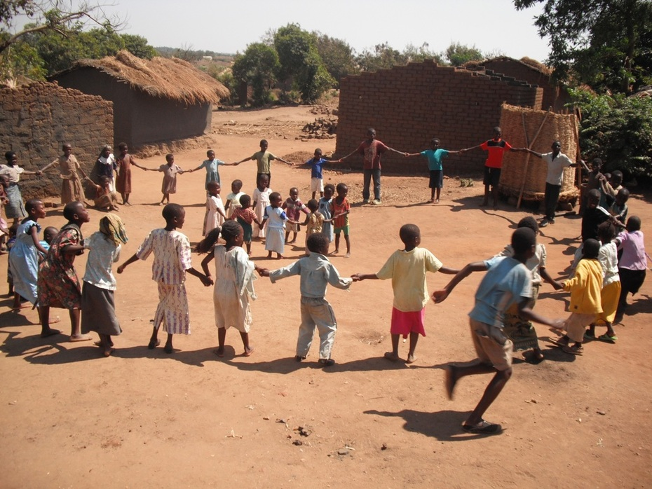 Children in Malawi celebrate a new well
