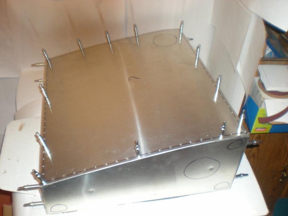 Scratch build fuel tank (riveted)