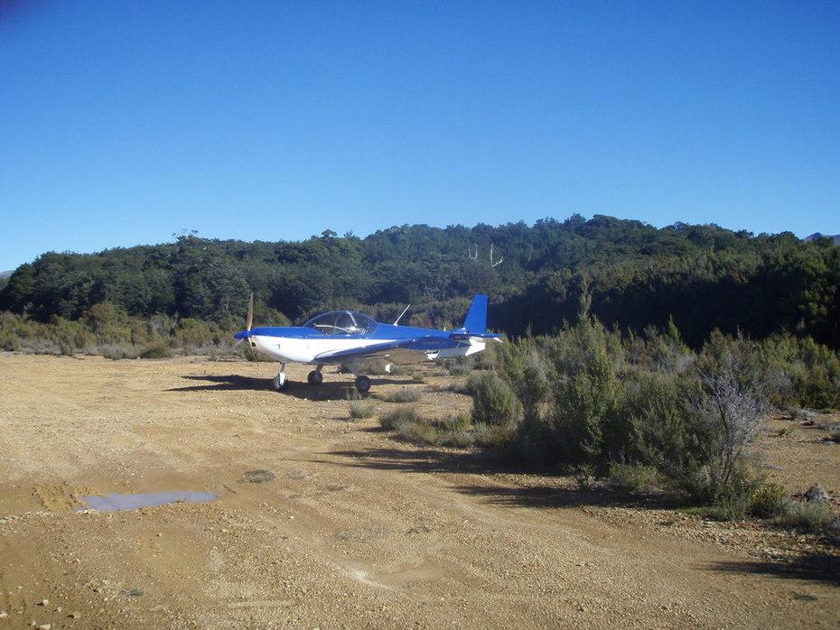 Zenith 601XL at Cobb airstrip 1st time