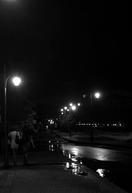 Oταν  η  νυχτα  προχωρα.....