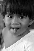 Childhood: Between Black & White 童年~黑白之間 05