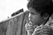 Childhood: Between Black & White 童年~黑白之間 01