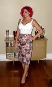 Pinup Couture pencil skirt in Vintage rose print :)