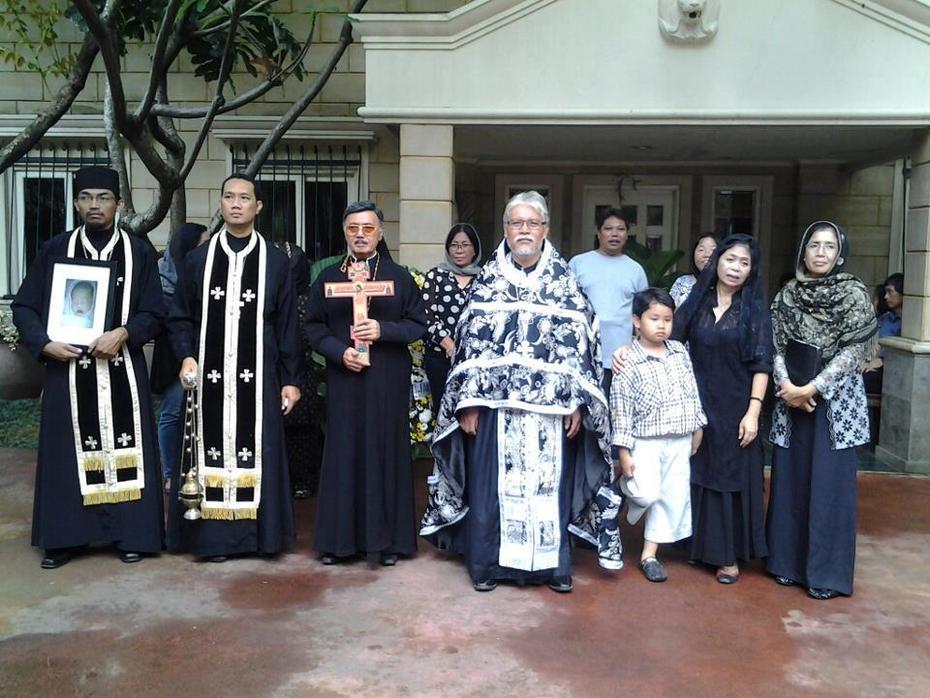 ქალაქ სემარანგის მართლმადიდებლური ეკლესიის პატარა სამწყსო.ეკლესიის წინამძღოლი იაკუ ნიკოლაუს შადუ.ინდონეზია