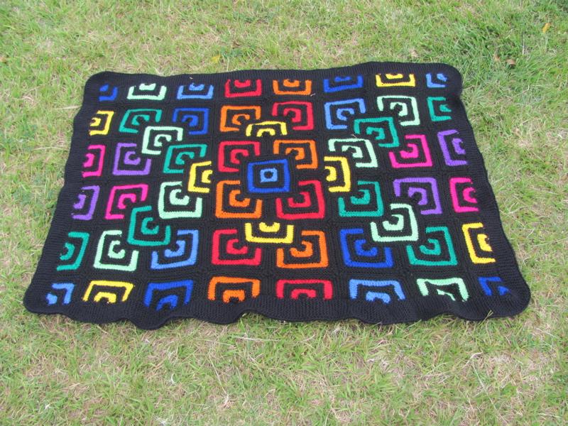 Patchwork-Decke gestrickt