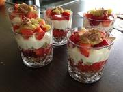 Sommer-Dessert / Erdbeere-Rhabarber-Käsekuchen der anderen Art