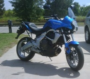 09 Versys right