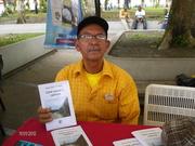 """Mi padre con mi libro """" Entre Versos y Caminos"""""""